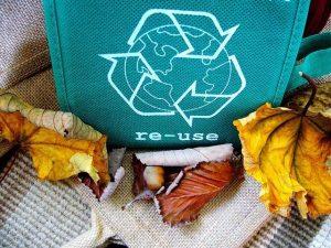reciclar para reducir el consumo de plastico